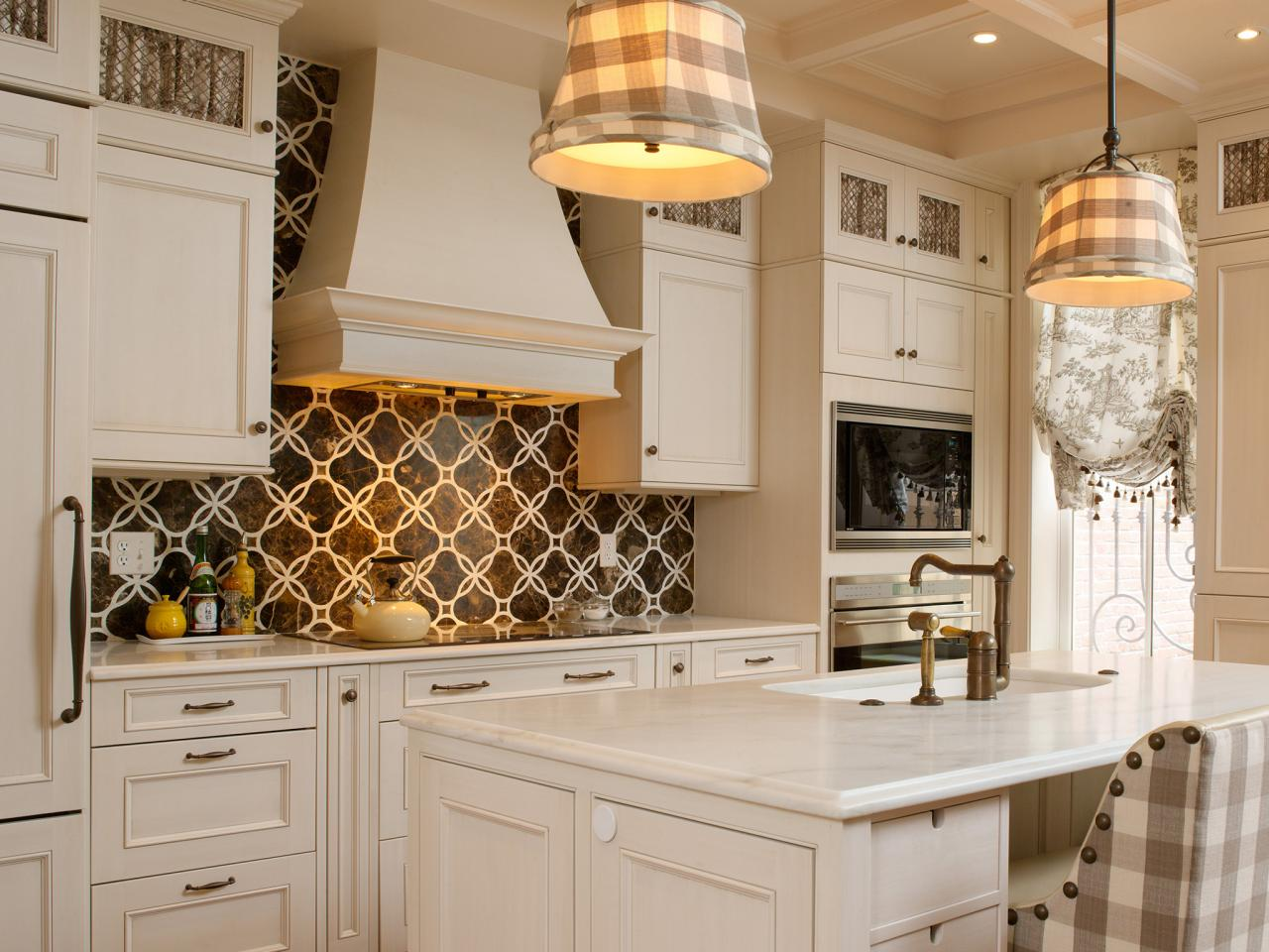 DP Shazalynn Cavin Winfrey Kitchen Backsplash Design Ideas s4x3.jpg.rend .hgtvcom.1280.960