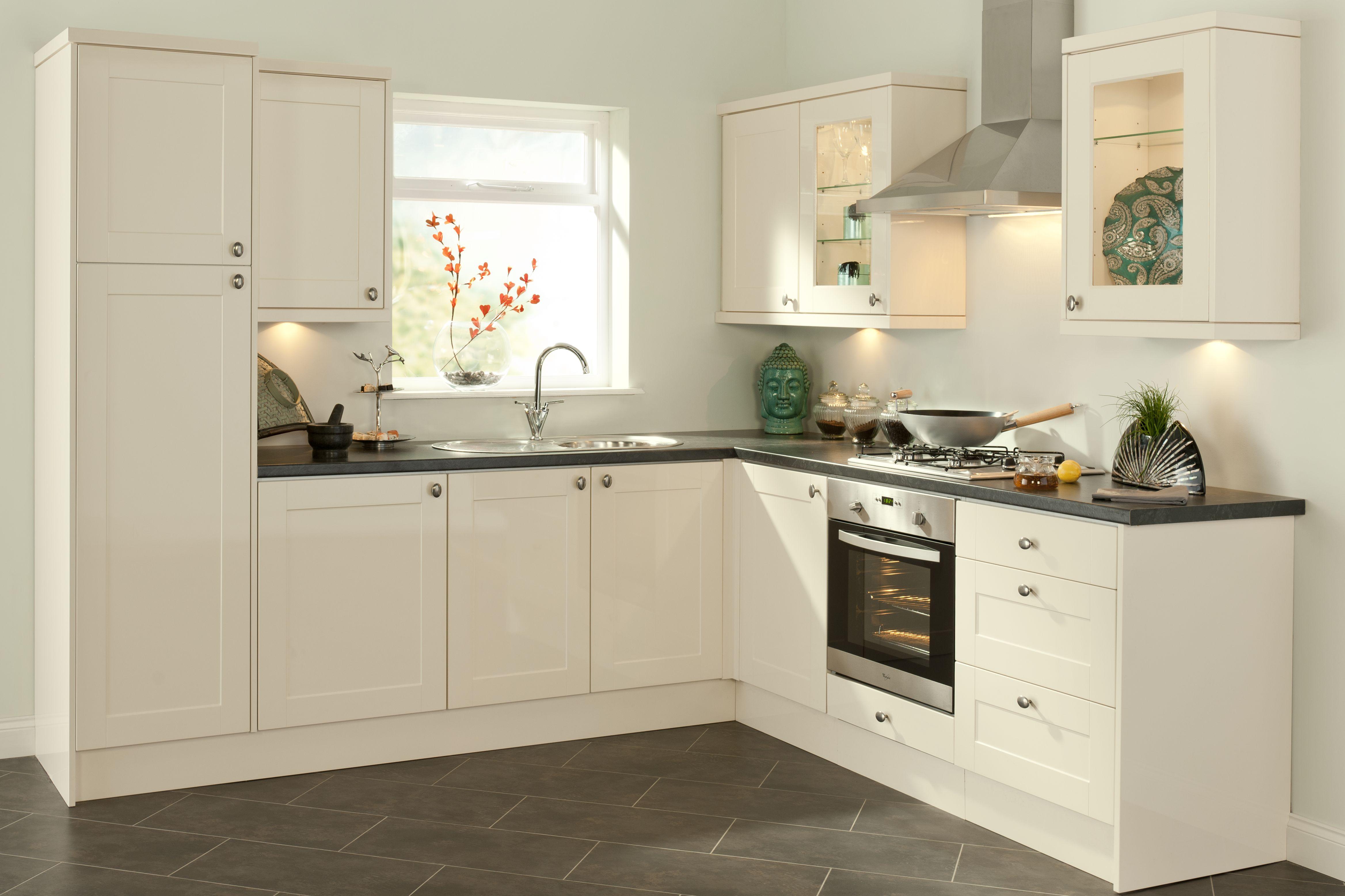magnet kitchen in Romsey1