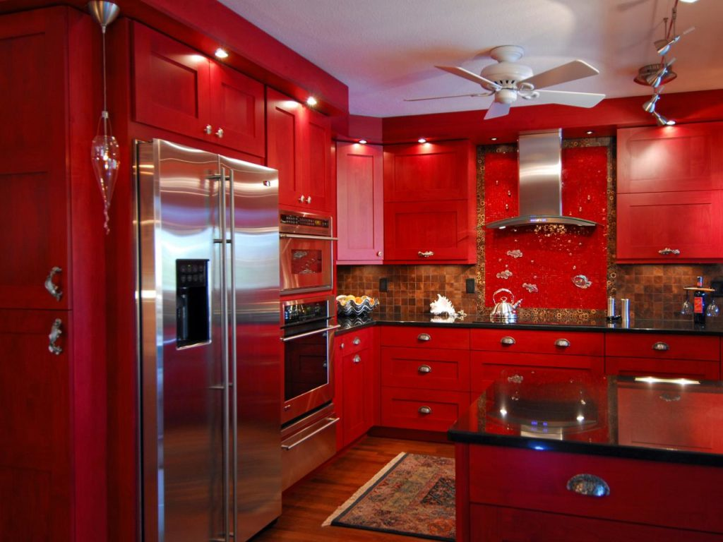 original John Ryba red kitchen cabinets.jpg.rend .hgtvcom.1280.960 1024x768