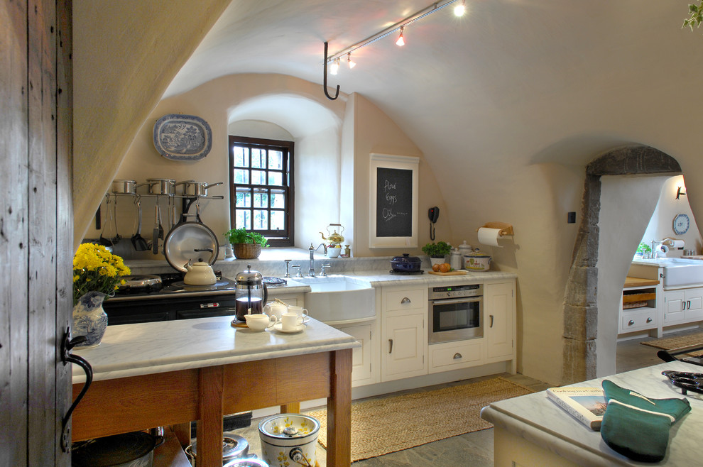 traditional kitchen 37