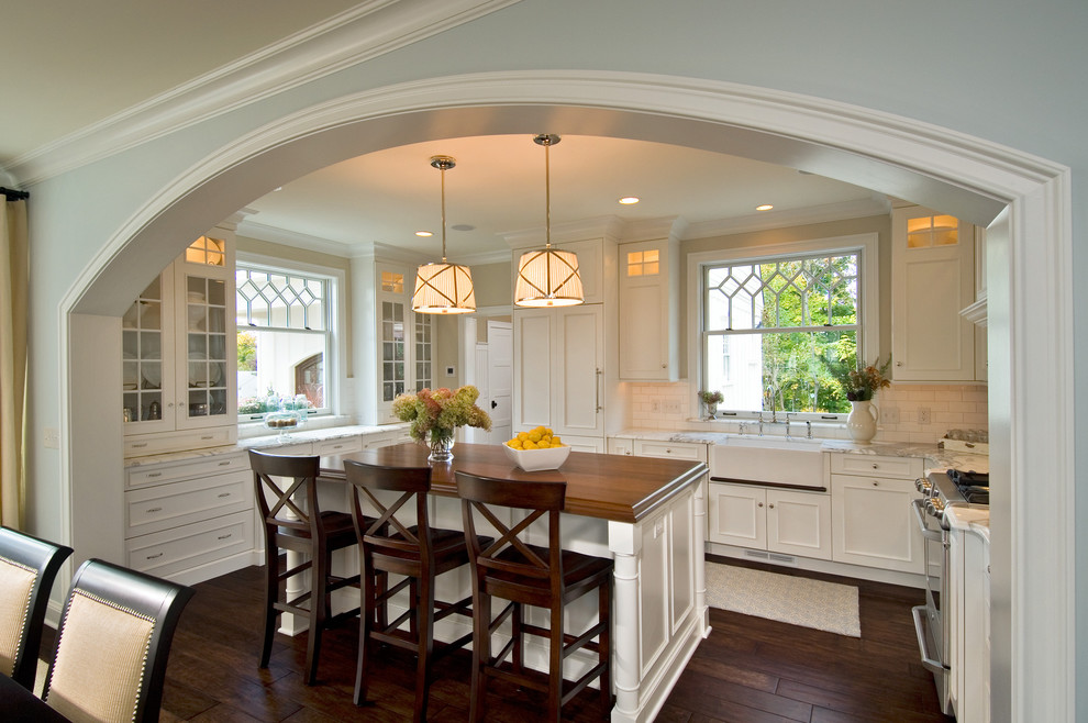 traditional kitchen 61