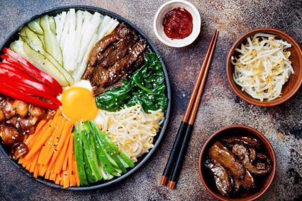 Несколько интересных рецептов салатов с корейским мотивом
