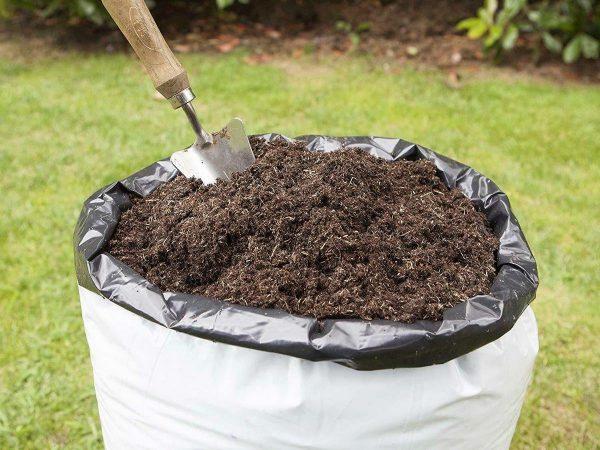 kompost na uchastke
